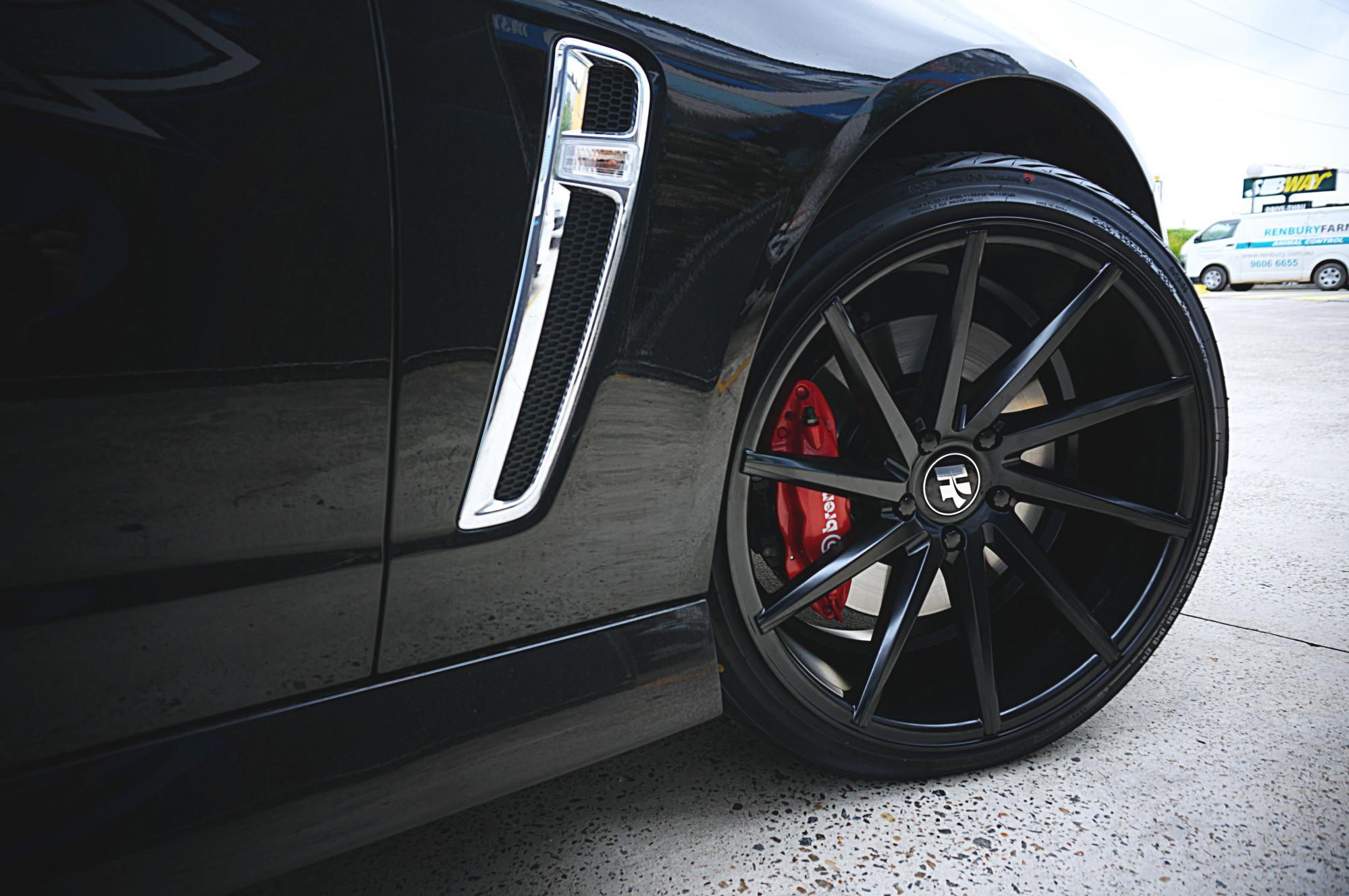 2016 Holden VF SS-V goes wide on Hussla Directional