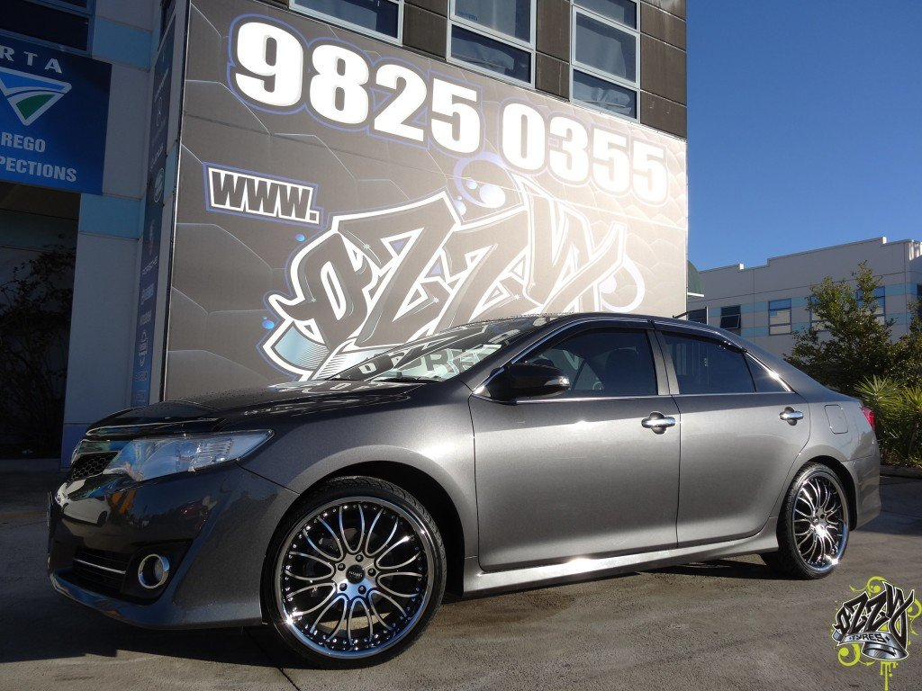 Toyota Camry: Tires