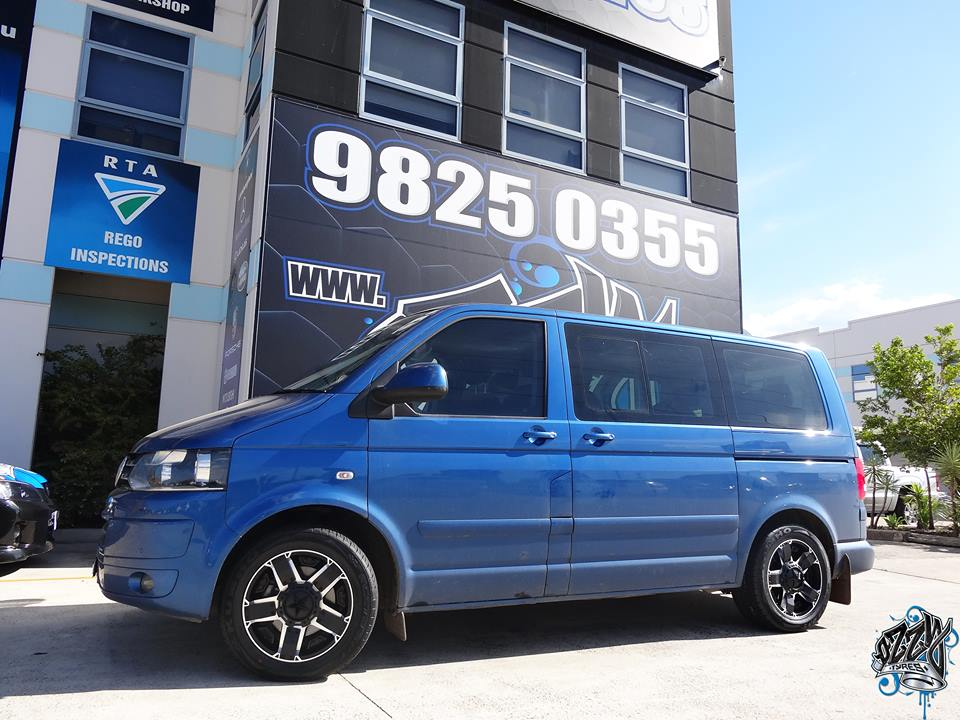 vw-transporter-with-kmc-rockstar-2-in-matte-black-with-machined-face