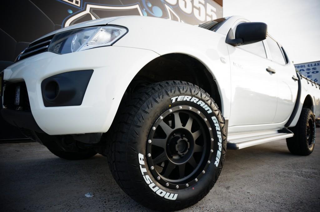 mitsubishi triton mag wheels