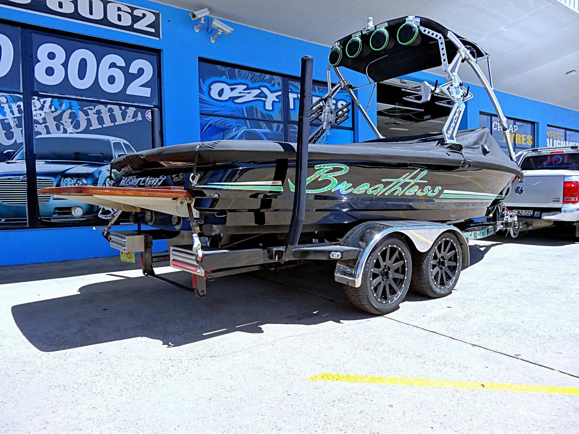 boat-trailer-wheels-kmc-heist-in-matte-black-size-17x8