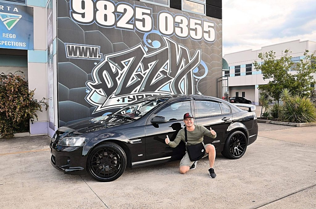 happy-customer-holden-commodore-ve-ss-fitted-with-black-rims