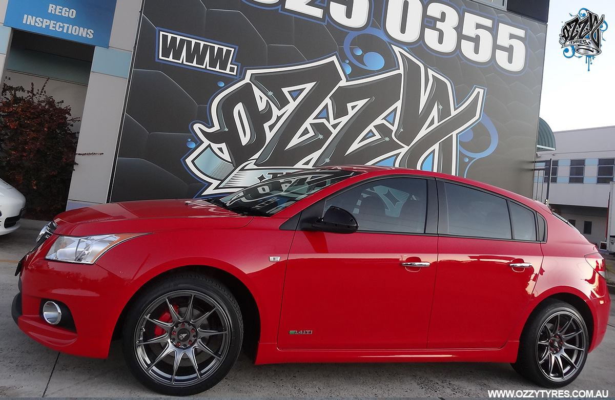 red-holden-cruze-with-hussla-hxr27