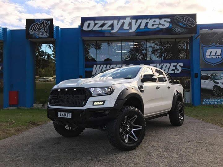 white-ford-ranger-with-4x4-rims