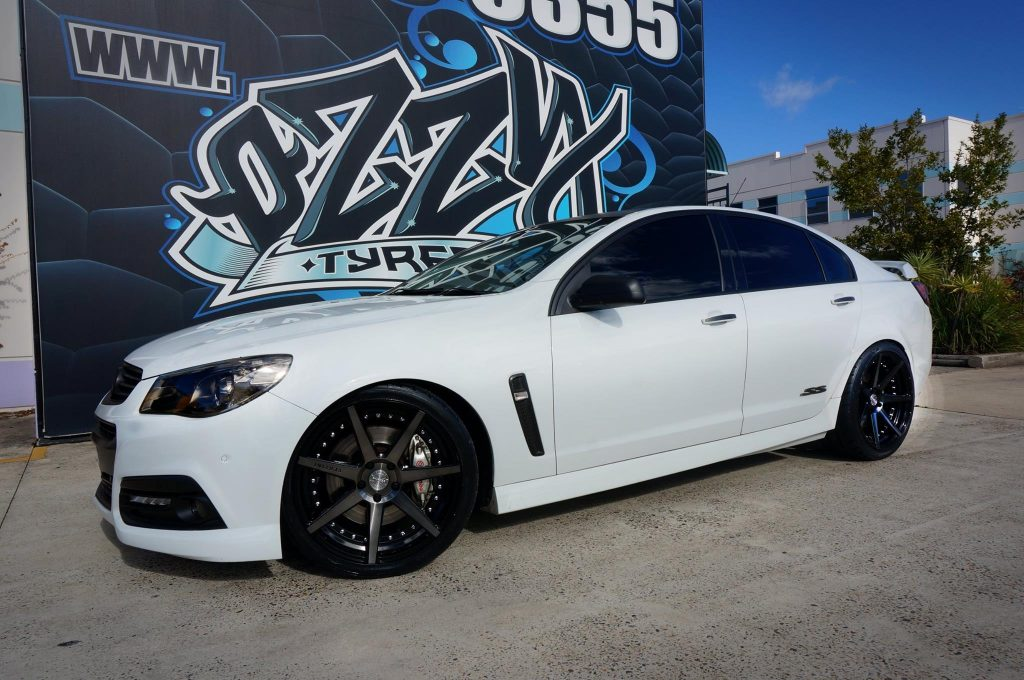white-vf-holden-commodore-fitted-with-vertini-rims
