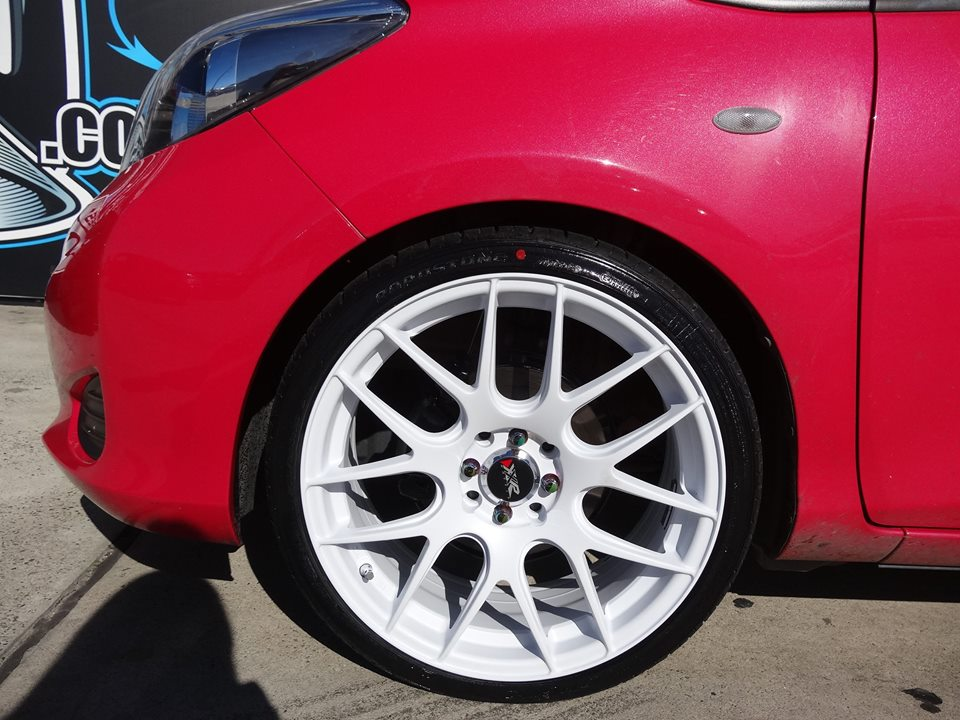 toyota-yaris-fitted-with-xxr-530-finished-in-matte-white-3