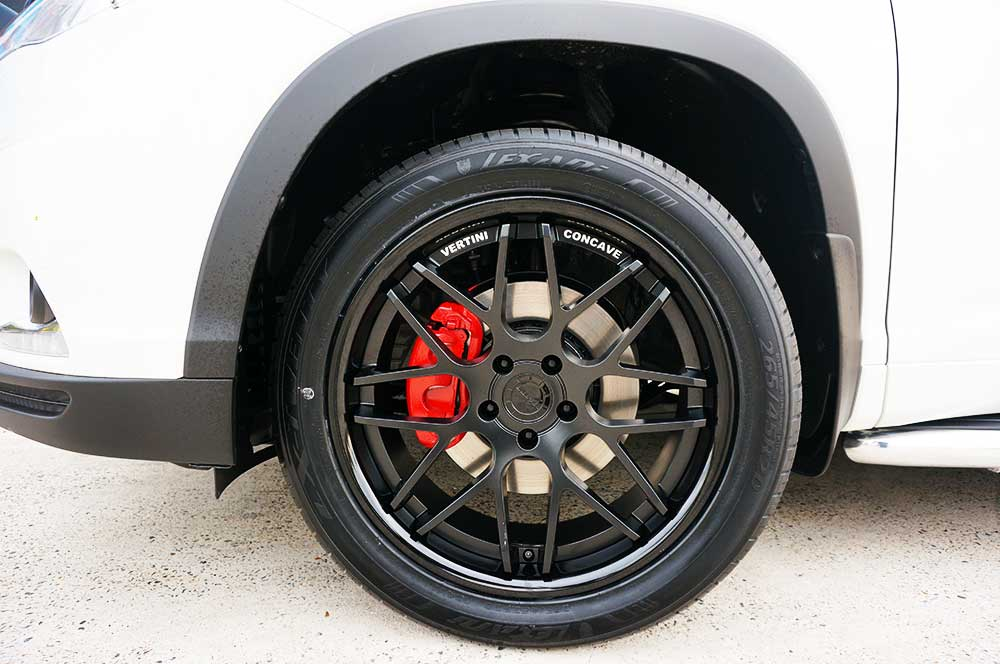 toyota kluger tyres