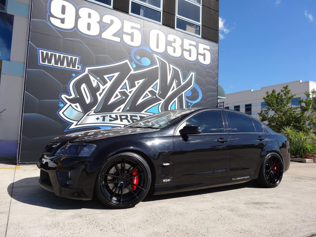 black-holden-hsv-clubsport-with-black-rims-2017