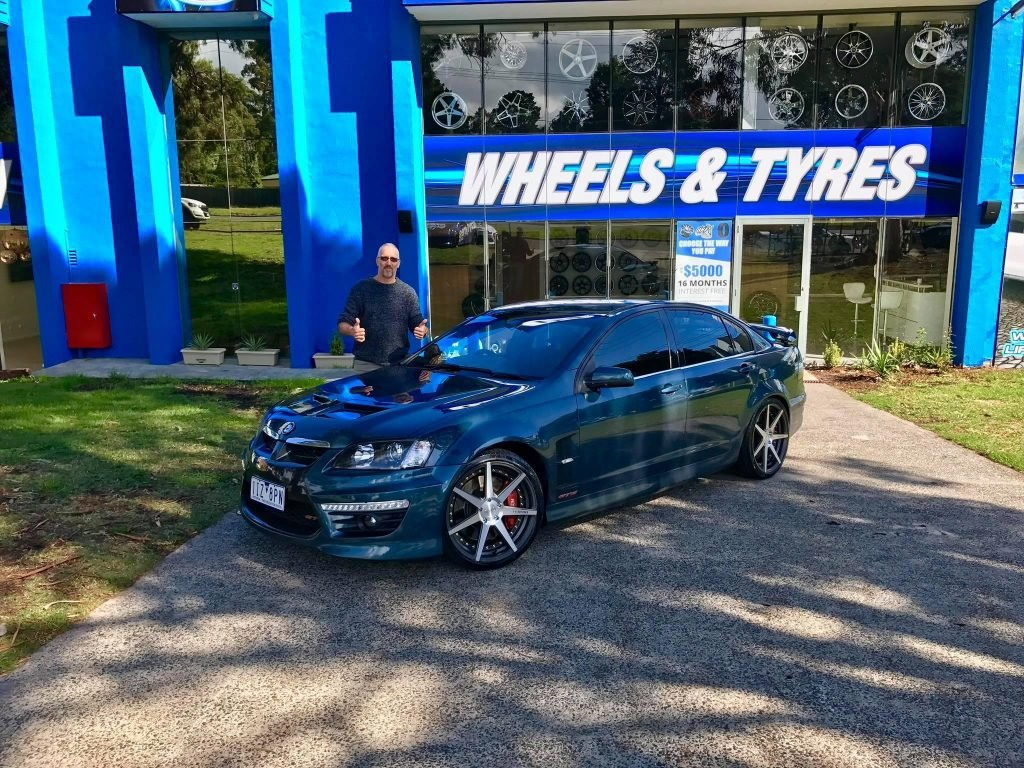 blue-hsv-holden-gts-fitted-with-vertini-rims