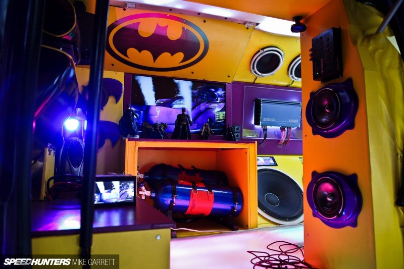 Japan-Batman-Van-21 copy