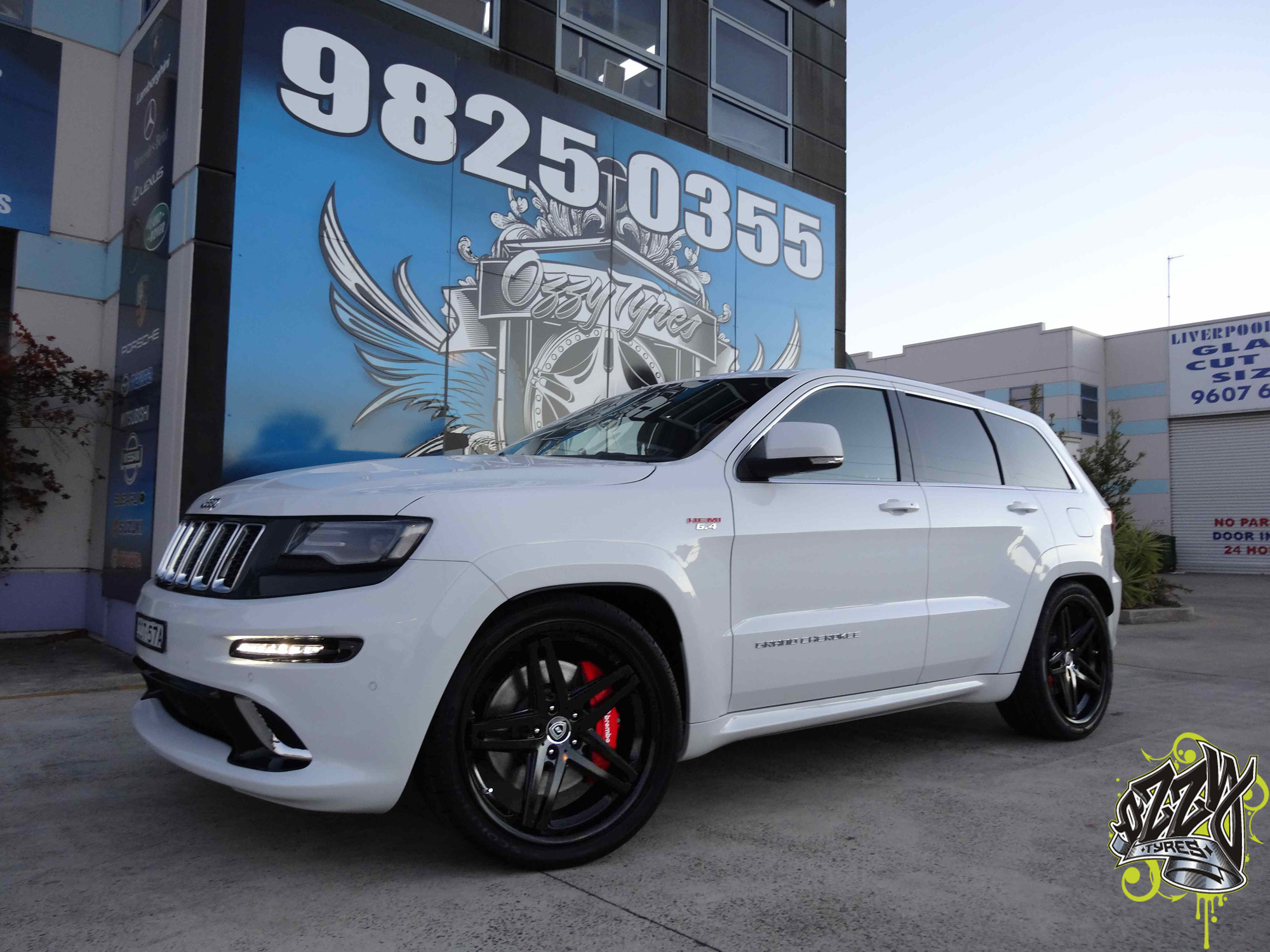 jeep grand cherokee srt8 all muscle ozzy tyres wheels. Black Bedroom Furniture Sets. Home Design Ideas