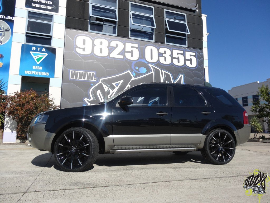 Ford Territory with Lexani CSS15 Wheels in Machine Tips