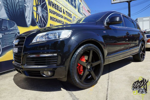 audi-q7-with-xo-miami-matte-black-wheels