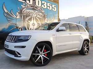Jeep Grand Cherokee with 22 inch Lexani R7