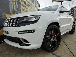 Jeep Grand Cherokee SRT with 22 Inch Lexani R4 Rims