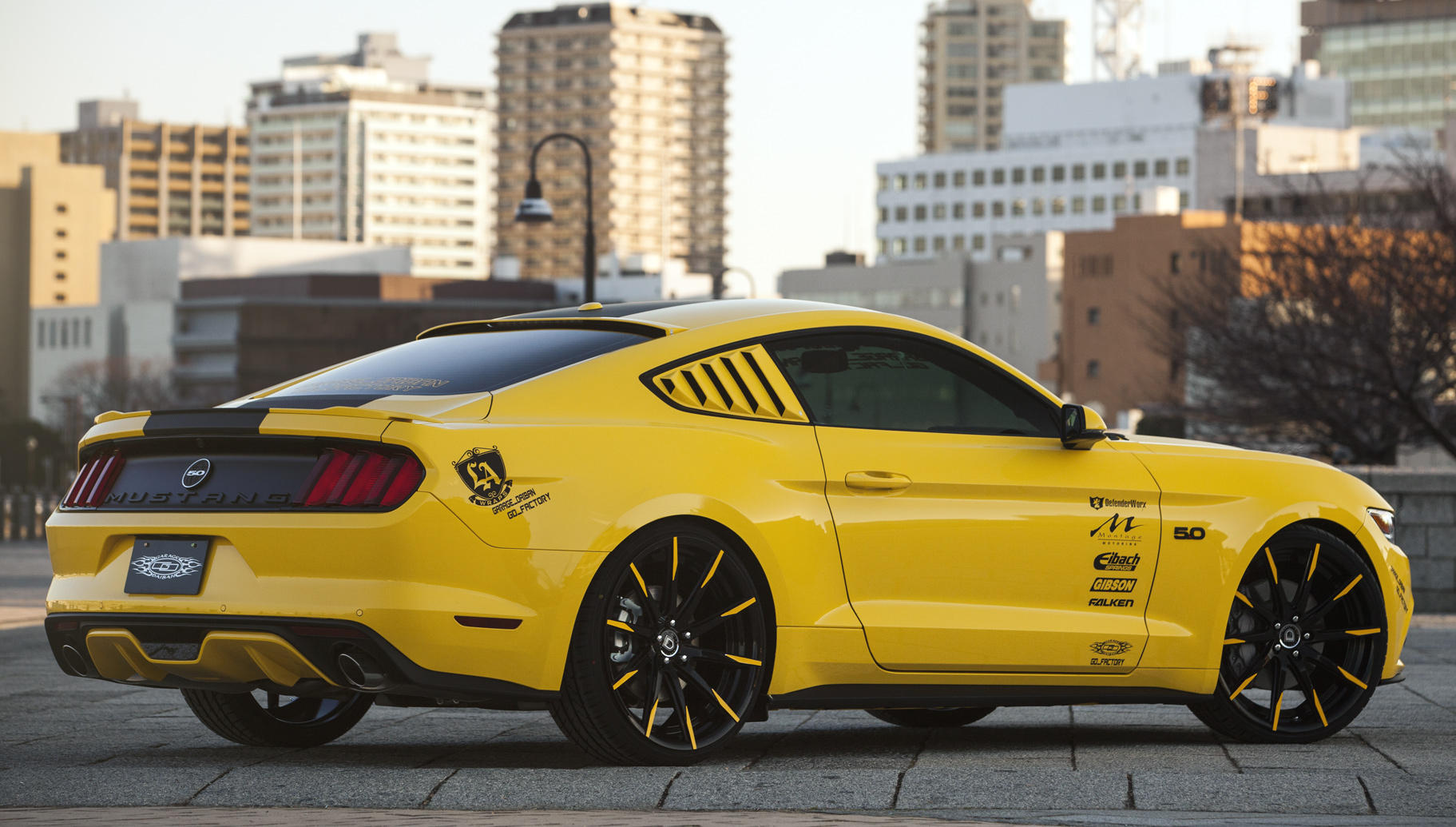 2015_Ford_Mustang_981_v2