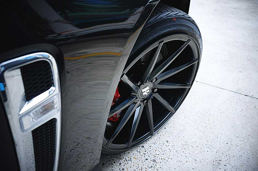 holden commodore vf mag wheels