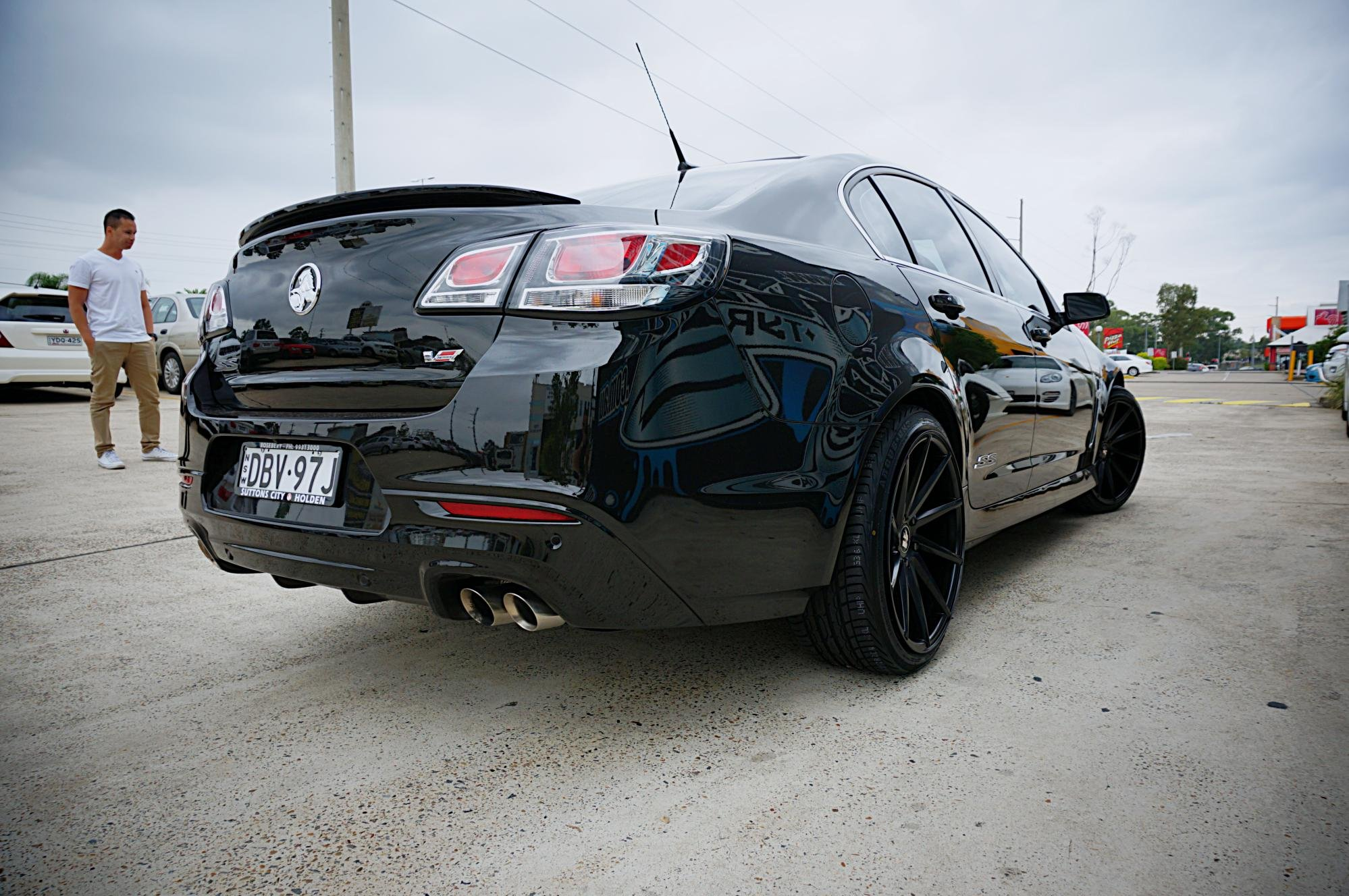2016 Holden VF SS-V goes wide on Hussla Directional