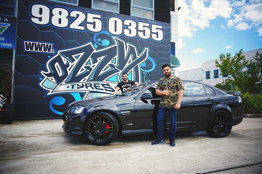 Holden VE SV6 goes 22inch with Vertini Dynasty.