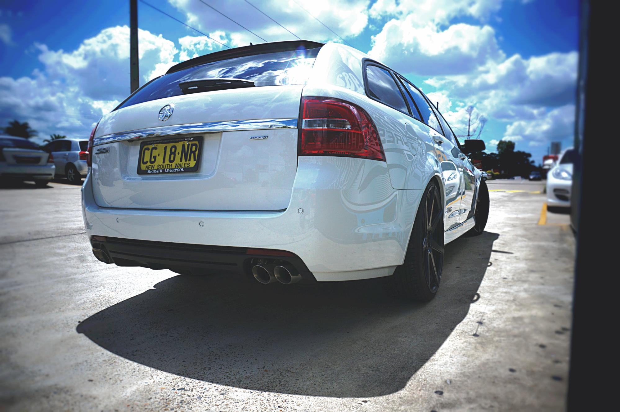 Holden VF SS Wagon, sitting low on Vertini Dynasty