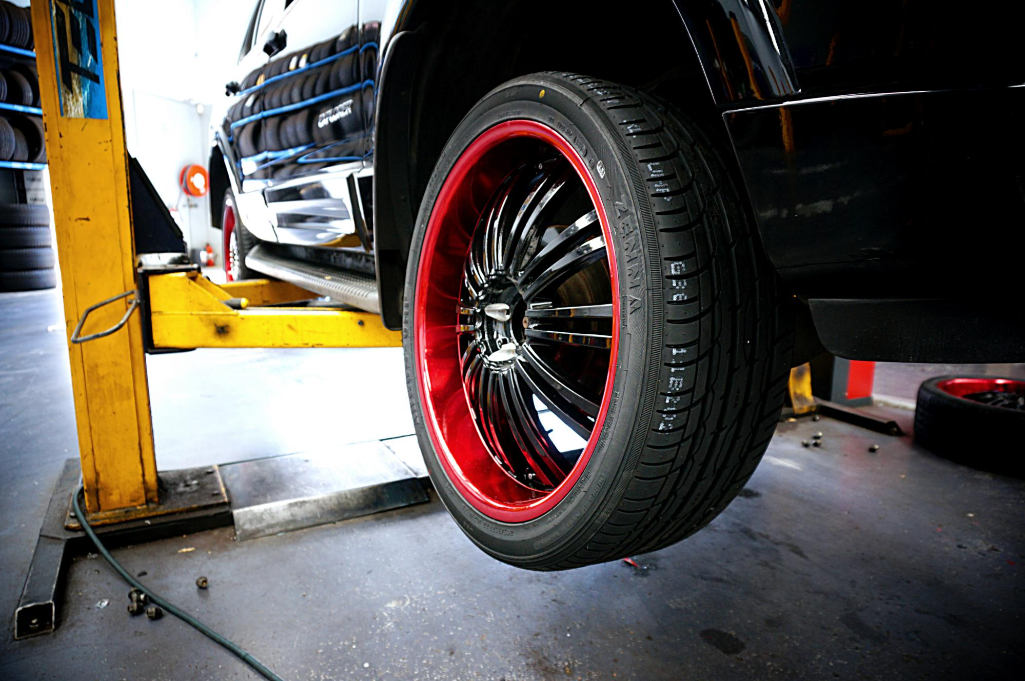 Ford Explorer gets fitted with 22inch 2Crave No17