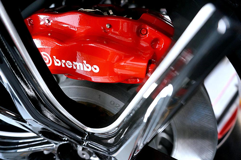 Clearing the Brembo brakes!