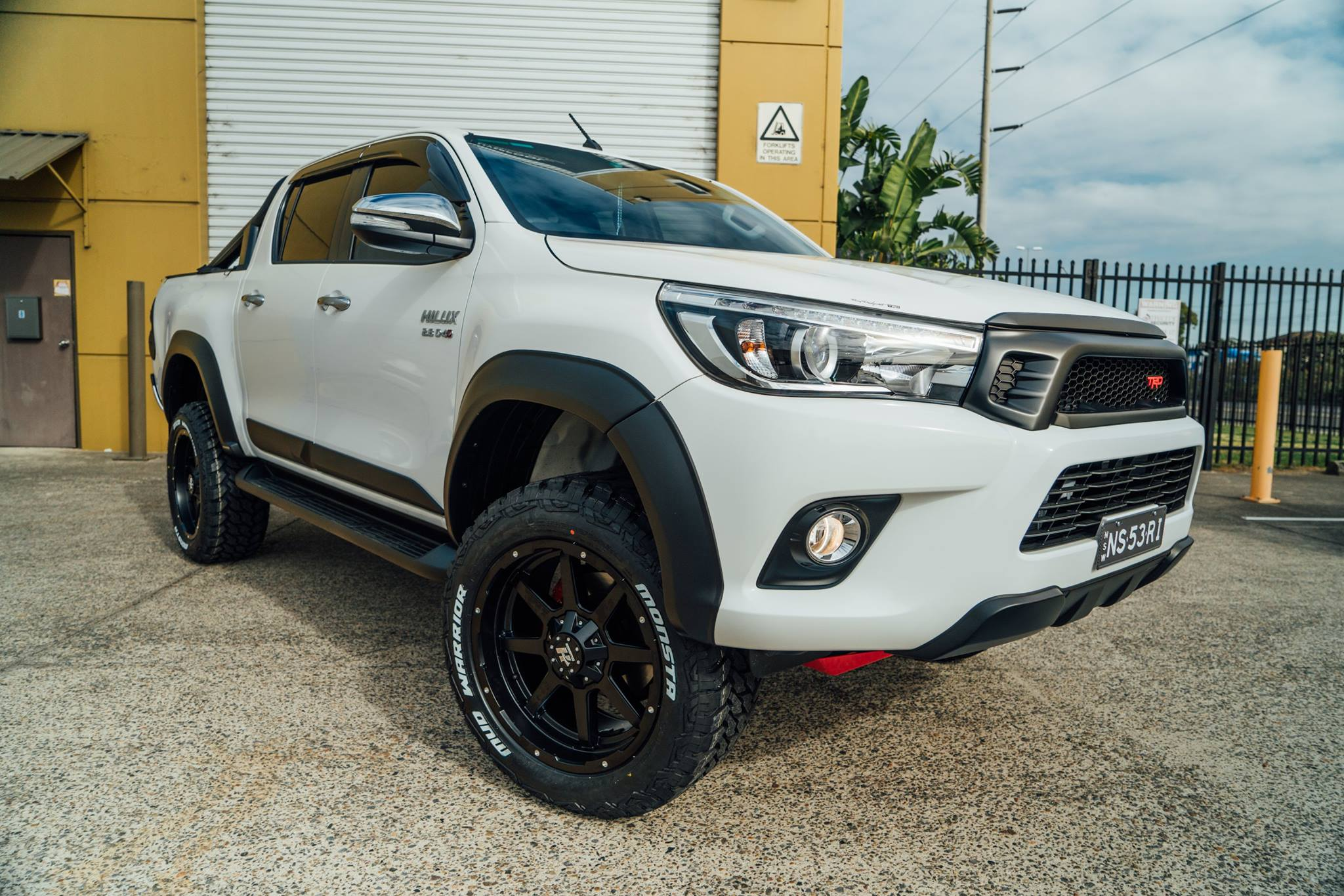 trd-hilux-to-be-upgraded-in-suspension-wheels-and-tyres-so-we-set-him-up-with-a-set-of-20x10-matte-black-hussla-stealths-and-wrapped-those-in-a-huge-profile-27555r2