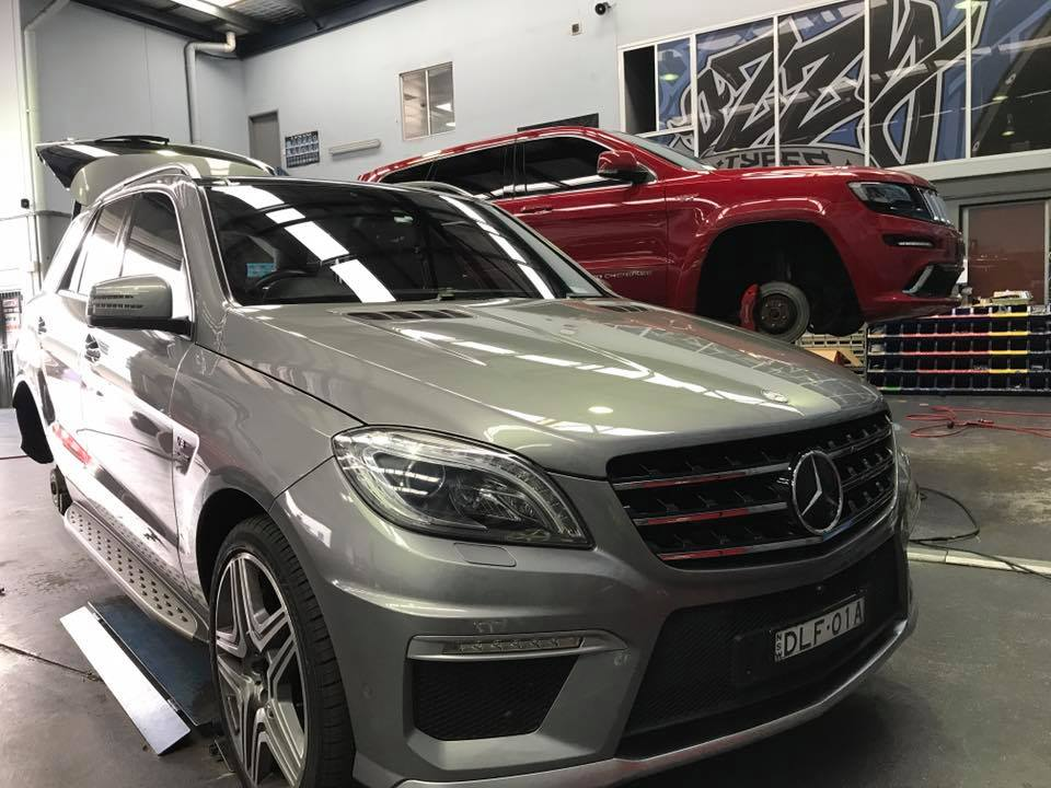 mercedes-fitted-with-new-rims