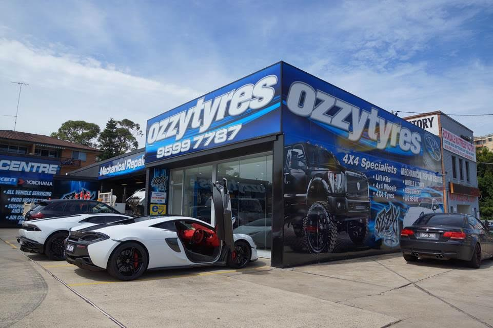 supercars-at-ozzy-tyres-rockdale